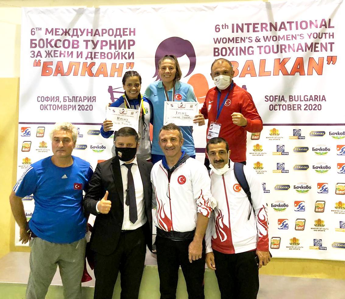 Olimpik Kadın Boks Milli Takımı'ndan 3 madalya