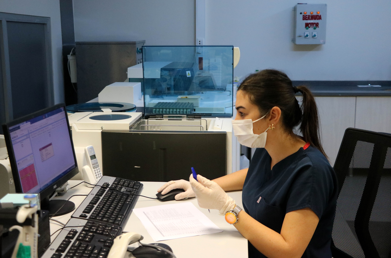 Koronavirüsü yenen sağlık çalışanı: Ölüm korkusuyla uyanıyordum