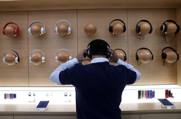 Apple Store'da sadece Beats ve AirPods kulaklıklar satılacak