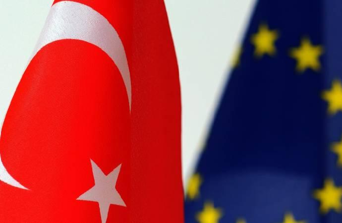 AB'den Türkiye raporu: Üyelik şansı giderek azalıyor