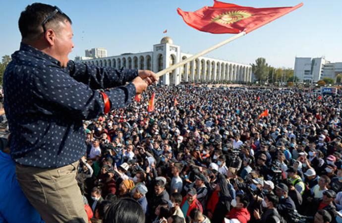 Kırgızistan'da başbakan görevden alındı