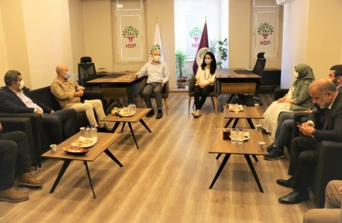 "CHP'den HDP'ye ziyaret: ""Kayyum atamaları kumpas"""