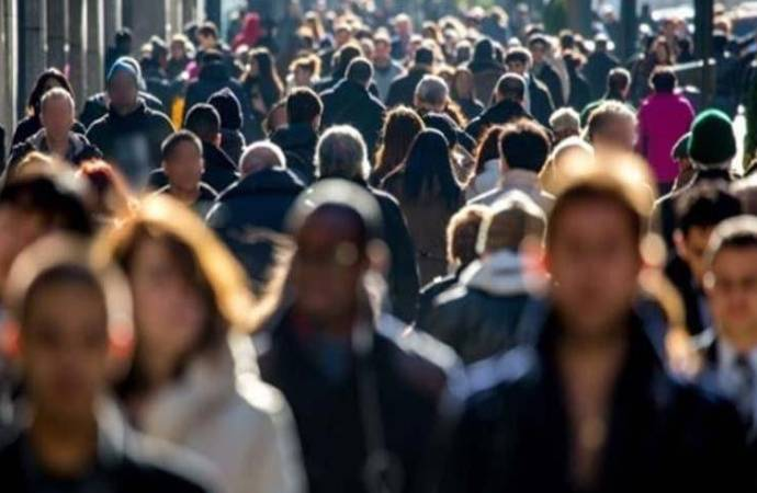 DİSK-AR: İşsiz sayısı 9,8 milyona yükseldi