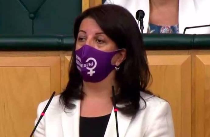 Buldan: AKP milletvekili ve üyelerinin karıştığı cinayetleri soruşturamayan yargı kadınları koruyamaz