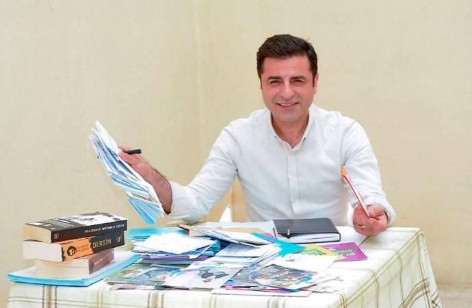 Demirtaş: HDP'siz bir Türkiye, ancak ırkçı ve faşist bir grubun istilası altında inler