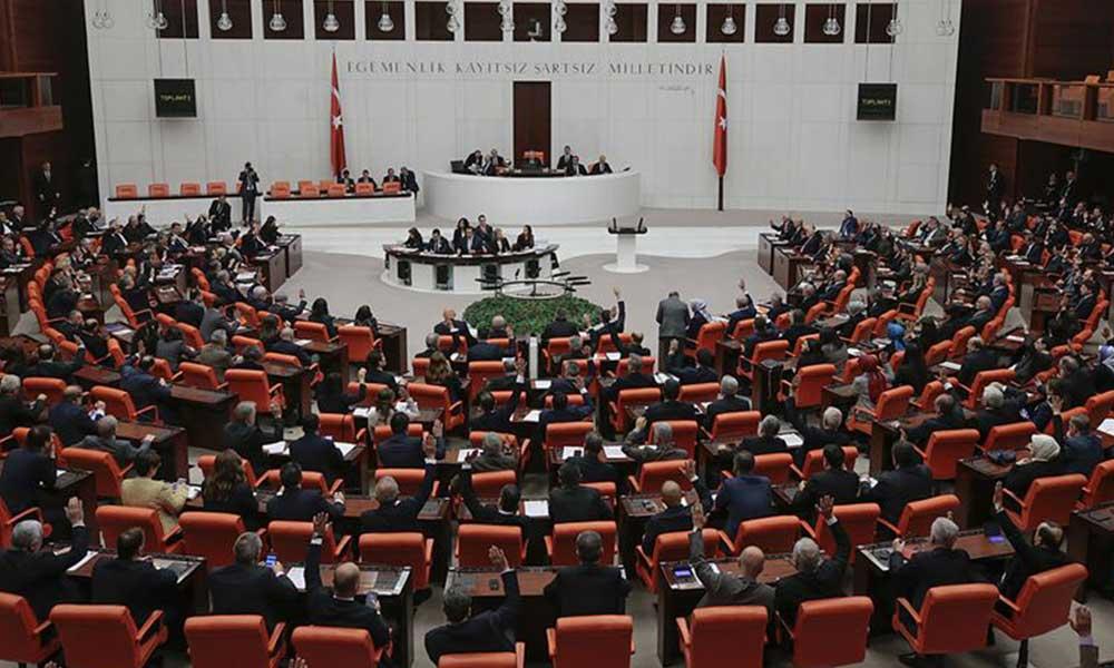 Meclis'te koronavirüs 'ihmali': Birçok kişiyle temas etti!