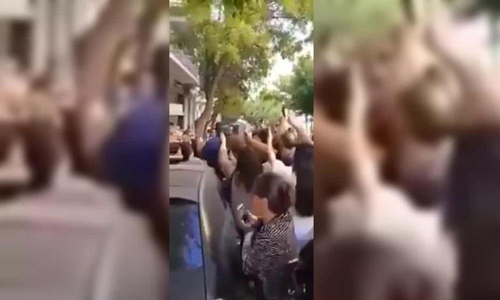 Eski Gürcistan Devlet Başkanı Saakaşvili'ye Atina'da yumruklu saldırı!
