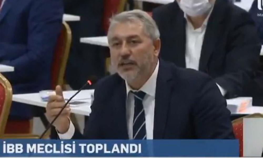 İBB Meclisi'nde AKP'li üyenin cemaat savunmasına CHP'den tokat gibi cevap