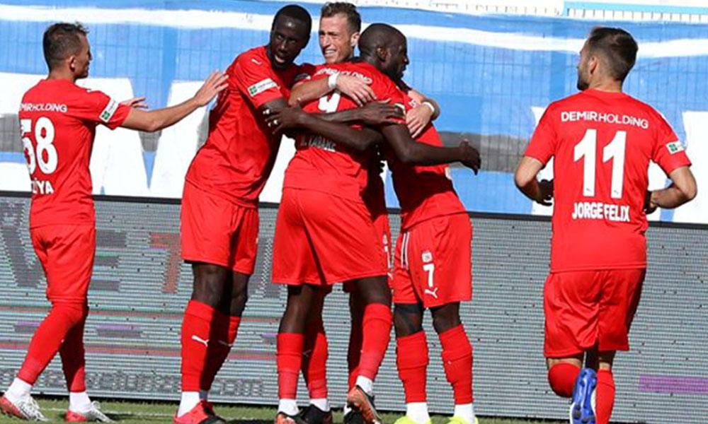 Avrupa'da yoluna devam eden, Sivasspor ve Başakşehir'e piyango!