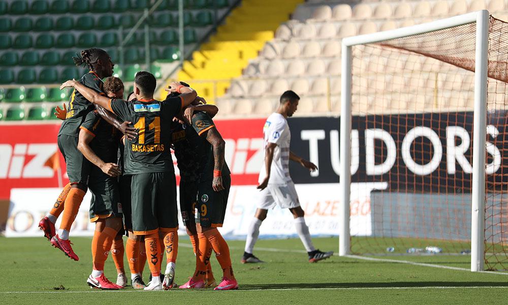Alanyaspor gol yemeyen Hatayspor'a yarım düzine gol attı!
