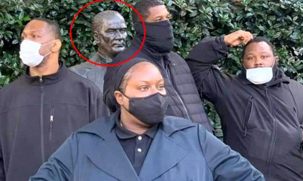 ABD'de siyahi vatandaşlar yapılan eylemde Atatürk büstünü saldırılara karşı korudu!