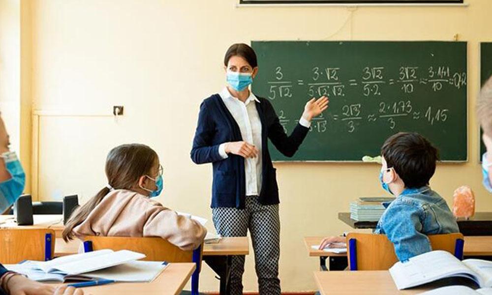 Bakan Selçuk: Okula iki gün gidilecek