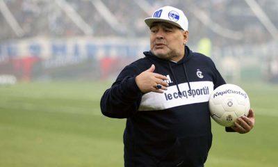 Efsane futbolcu Diego Armando Maradona koronavirüse yakalandı