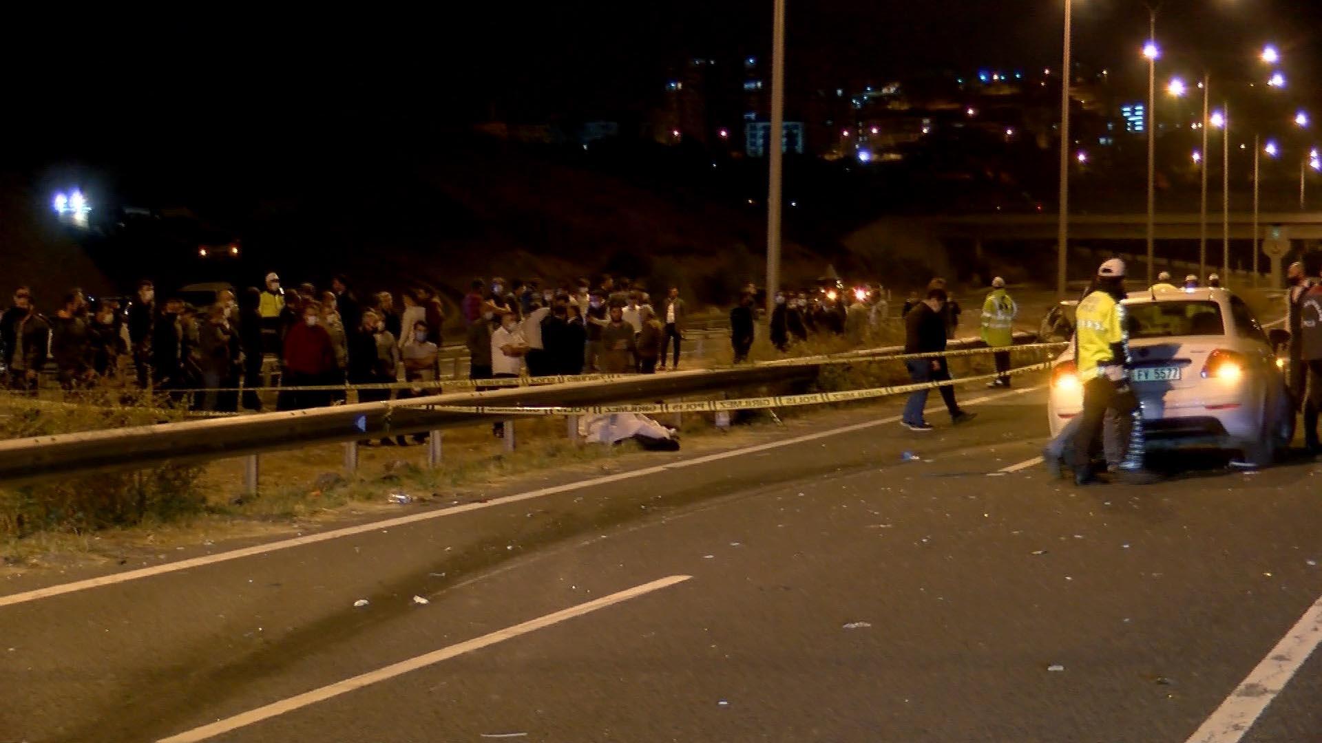 Düğün konvoyunda dehşet: Otomobil iki araca çarpıp alev aldı