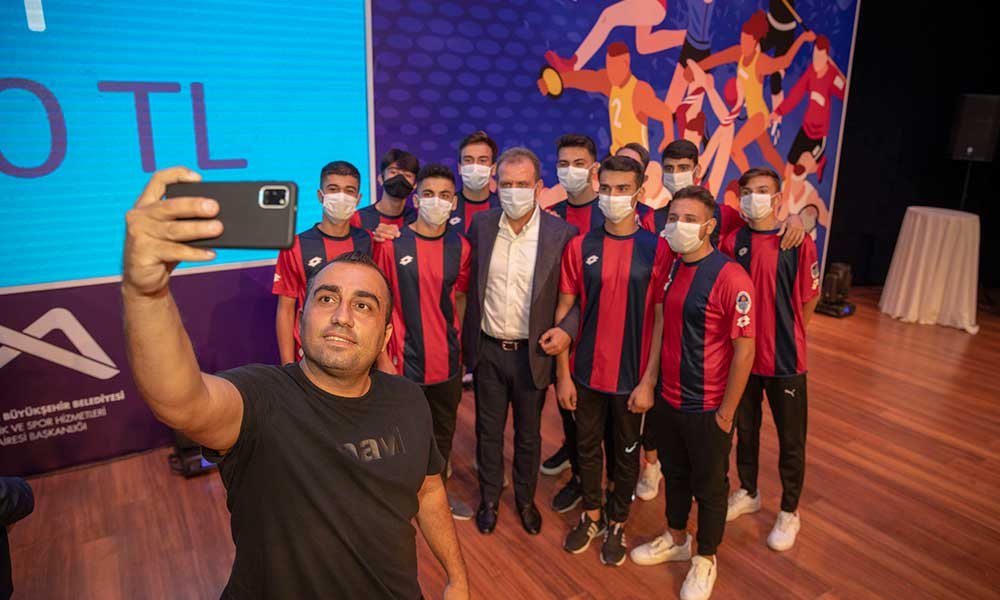 Büyükşehir, Mersin'in amatör spor kulüplerine sahip çıkıyor