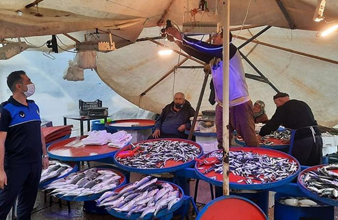 Balıkçıların mavi ışık hilesi zabıtaya takıldı