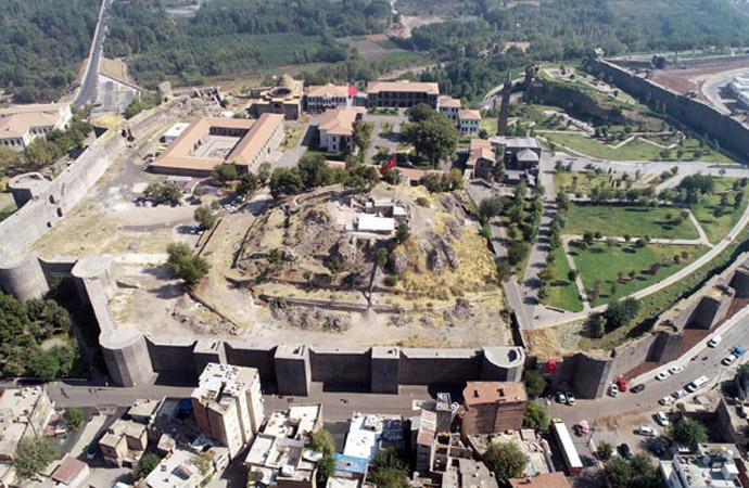 Diyarbakır'ı kalbinde yapılan kazılarda tarihi buluş