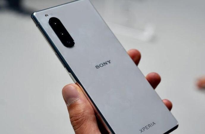 Sony akıllı telefon pazarını kasıp kavuruyor