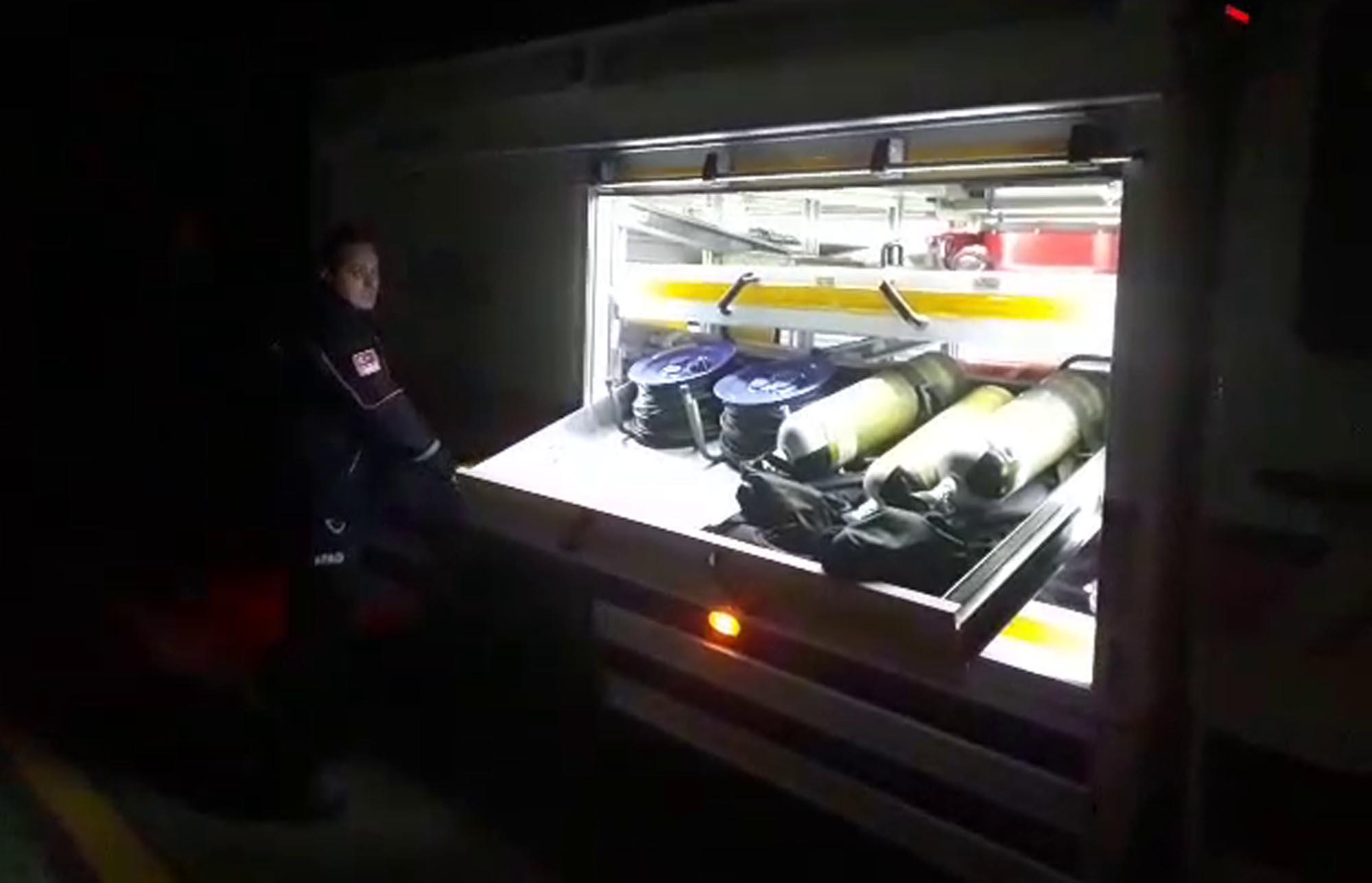 AFAD ekipleri kargo uçağıyla İzmir'e gidiyor