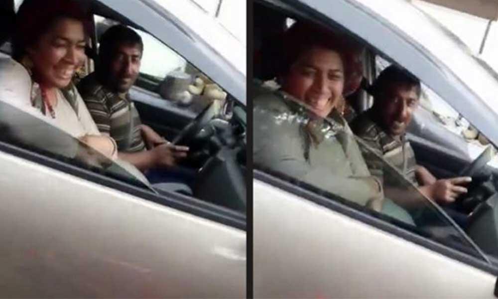 Köşede dilenen aileyi lüks arabada görünce isyan etti