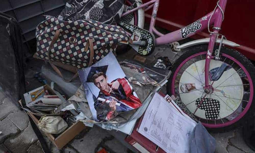 İTO Genel Sekreteri'nin eşi ve iki çocuğu defnedildi, geriye enkazdan çıkarılan fotoğrafları kaldı
