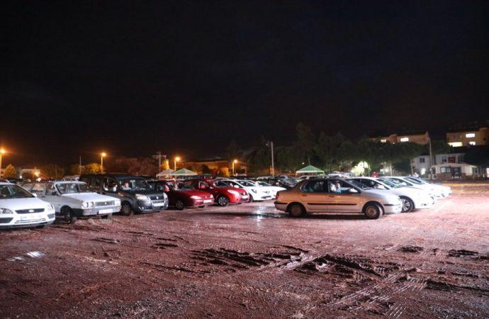 Didim'de Cumhuriyet Bayramı'na özel arabalı sinema gerçekleşti