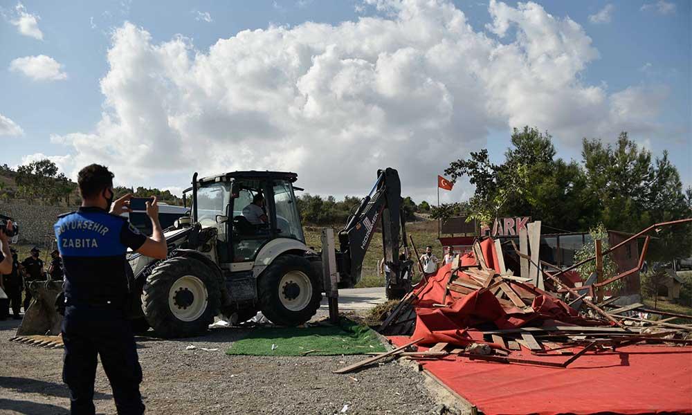 Büyükşehir, Seyhan Baraj Gölü çevresindeki kaçak ticari yapılaşmayla mücadeleye kararlı şekilde başladı