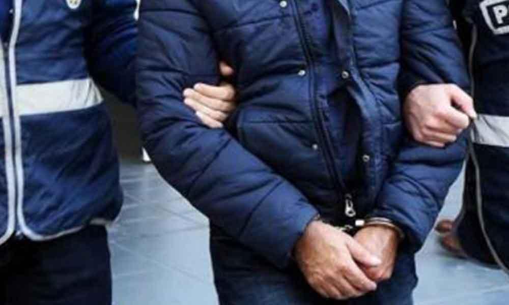 İzmir depremiyle ilgili provakatör paylaşım yapan 10 kişi gözaltına alındı, 2 kişi tutuklandı