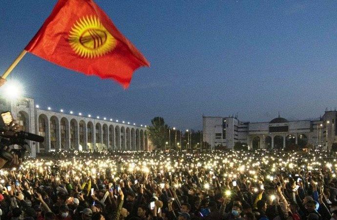Kırgızistan'da OHAL ilan edildi