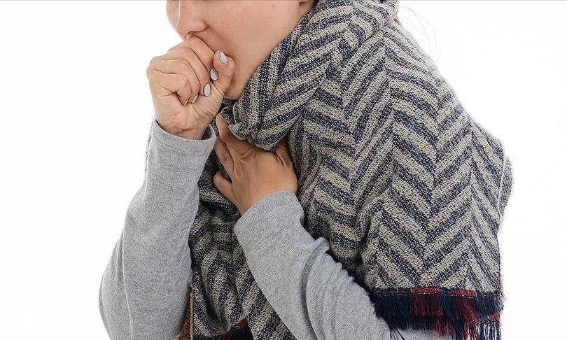Covid-19 semptomlarını hafif geçiren kişilerin bulaştırma süresi yarıya düşüyor