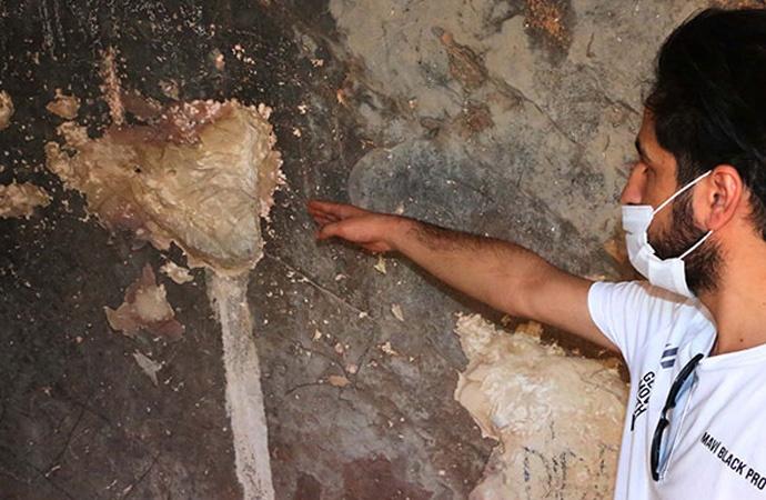 Taş devrinden kalan mağara define avcıları tarafından tahrip edildi