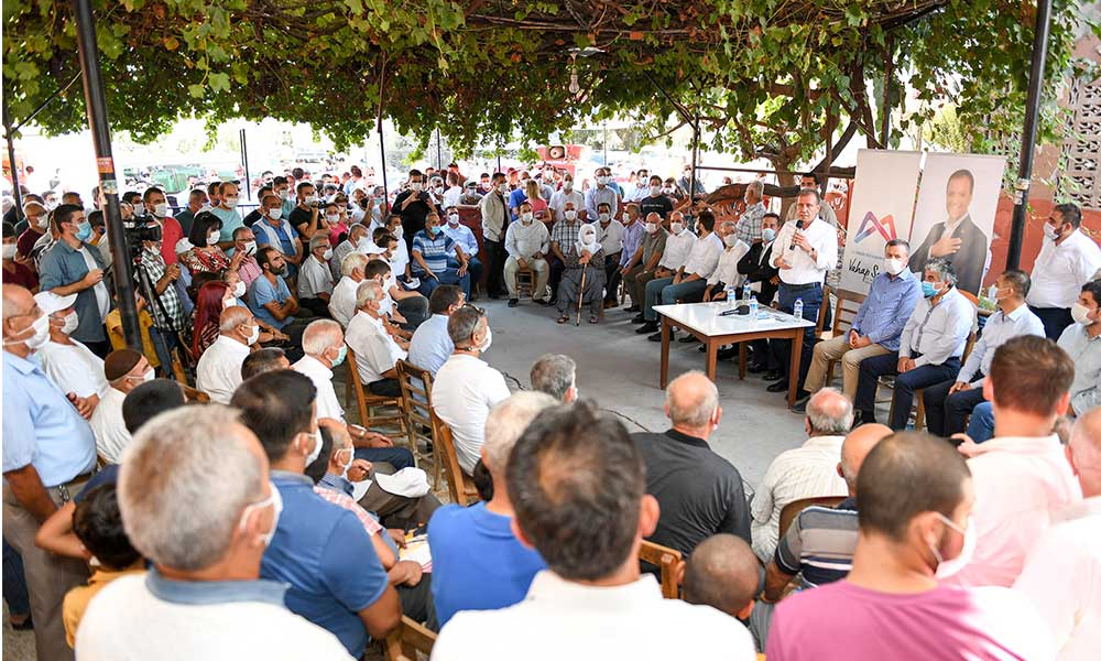 Başkan Seçer mahalle mahalle gezip halkın sorunlarını çözüyor