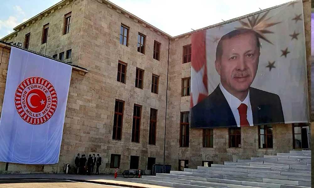 Erdoğan'dan Bahçeli'nin 'AYM yapılandırılsın' çağrısına yeşil ışık