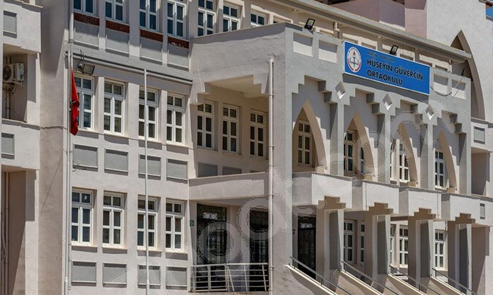 Mersin'de öğretmene 'dekoltenin de dekoltesi' şikayeti