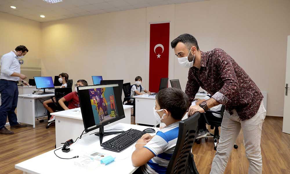 Mudanya Belediyesi'nden öğrencilere online eğitim sınıfı