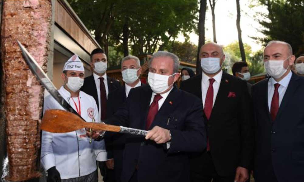 AKP'lilerin kılıç sevdası bitmiyor! Şentop kılıçla döner kesti