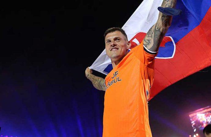 Martin Skrtel Galatasaray maçı öncesi Gerrard'a bilgi vermiş