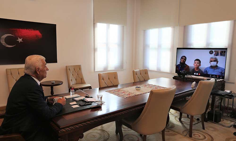 Sosyal medyadan tablet istedi, ilk canlı yayını Başkan'la yaptı