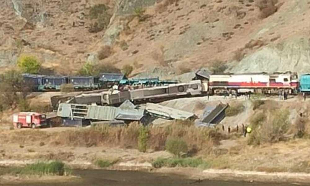 Yine tren kazası! Kafa kafaya çarpıştılar: 2 Ölü