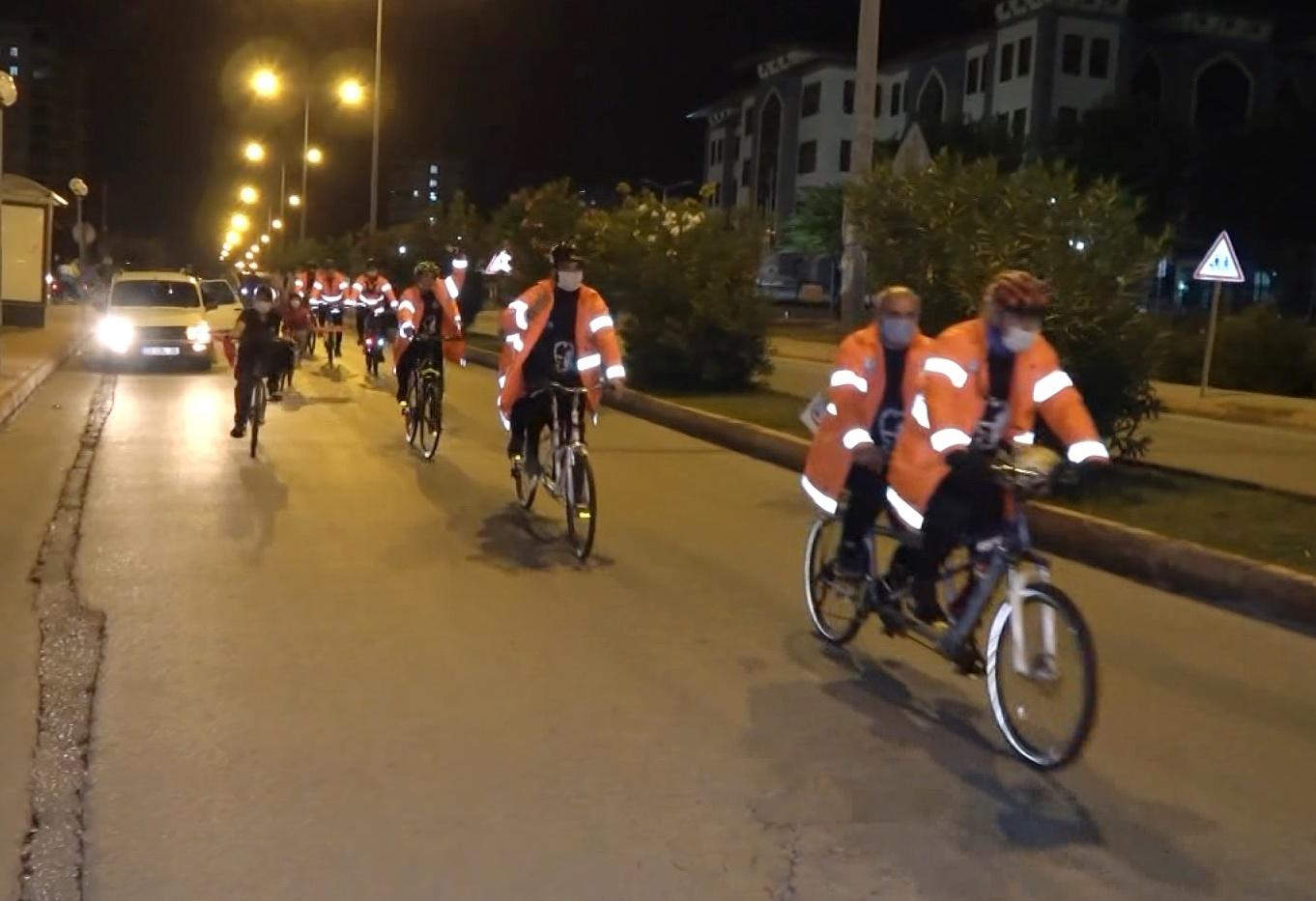 Atatürk'ün huzuruna çıkmak için 550 kilometre pedallayacaklar