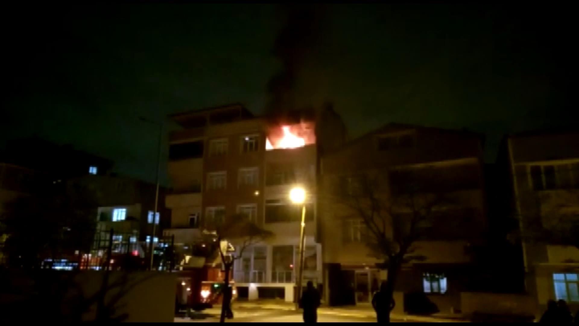 Tuzla'da apartman dairesinde çıkan yangın paniğe neden oldu