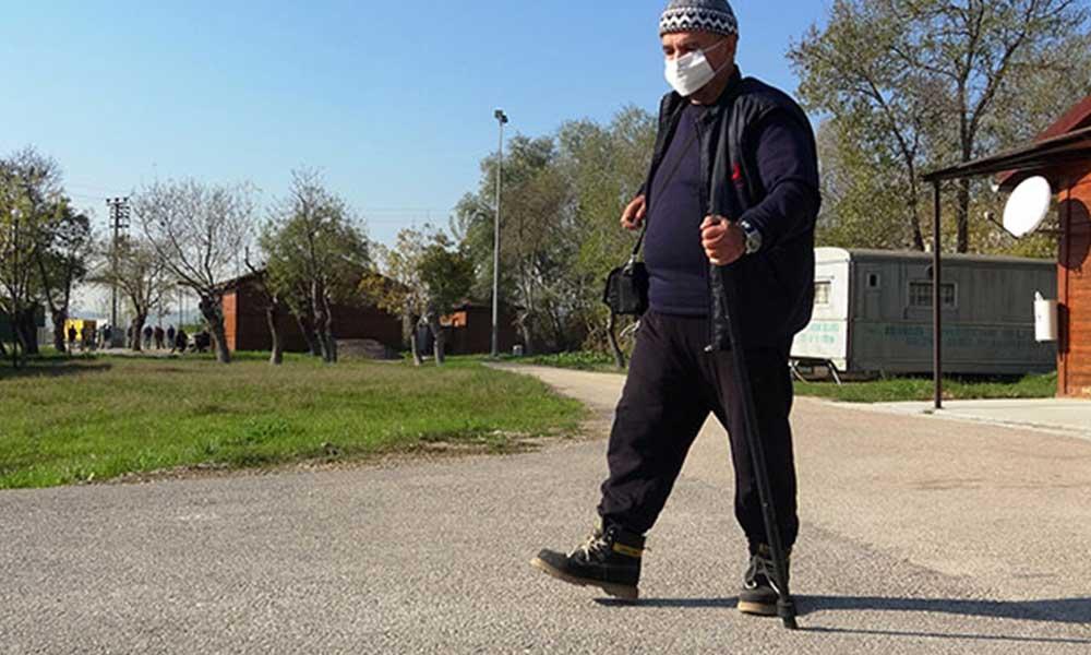 100'e yakın ülke gezip 10 dil bilen tekstil mühendisi, kalacak yeri olmayınca barınma evine yerleşti