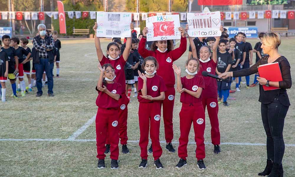 Başkan Seçer'den minik futbolculara: Kardeşliğiniz kazandı