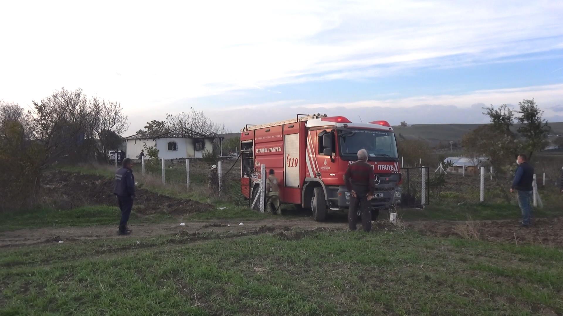 Prefabrik evde yangın çıktı, 2 çocuk yaşamını yitirdi