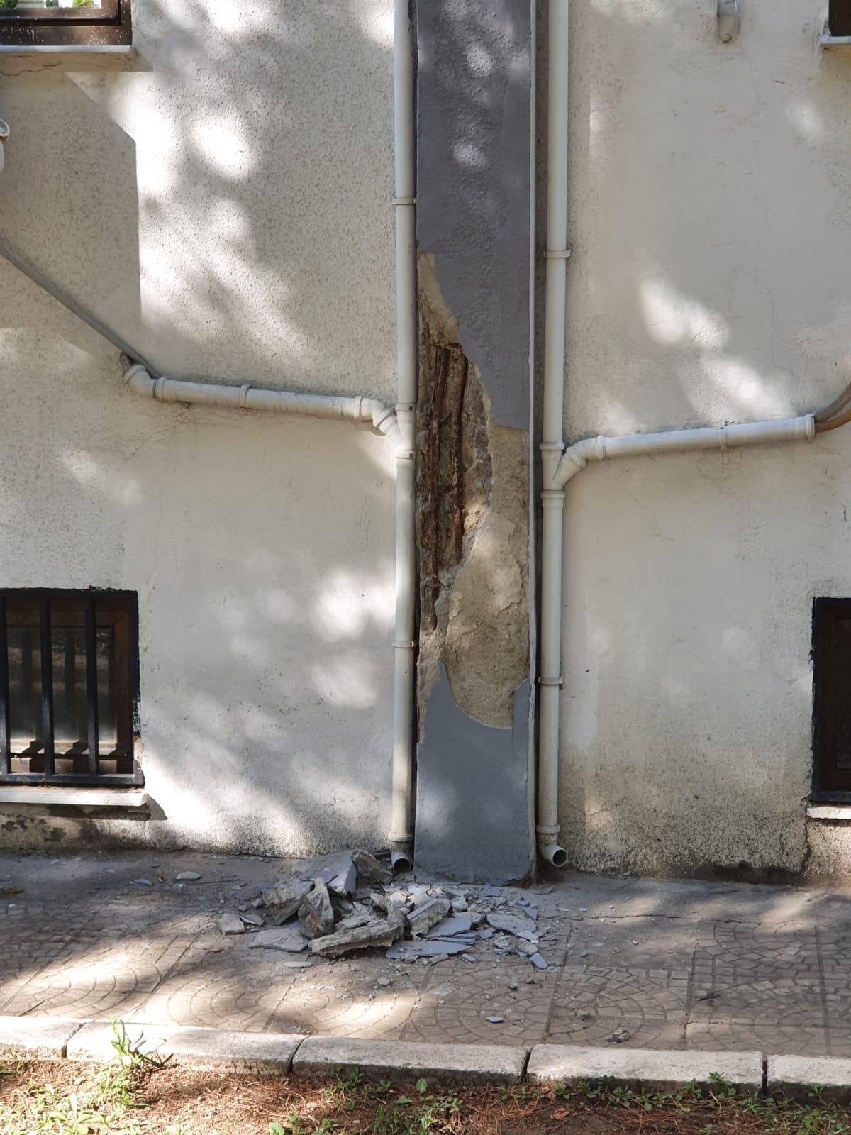 Depremde hasar gören Aydın'daki devlet hastanesinin bir bölümü kapatıldı