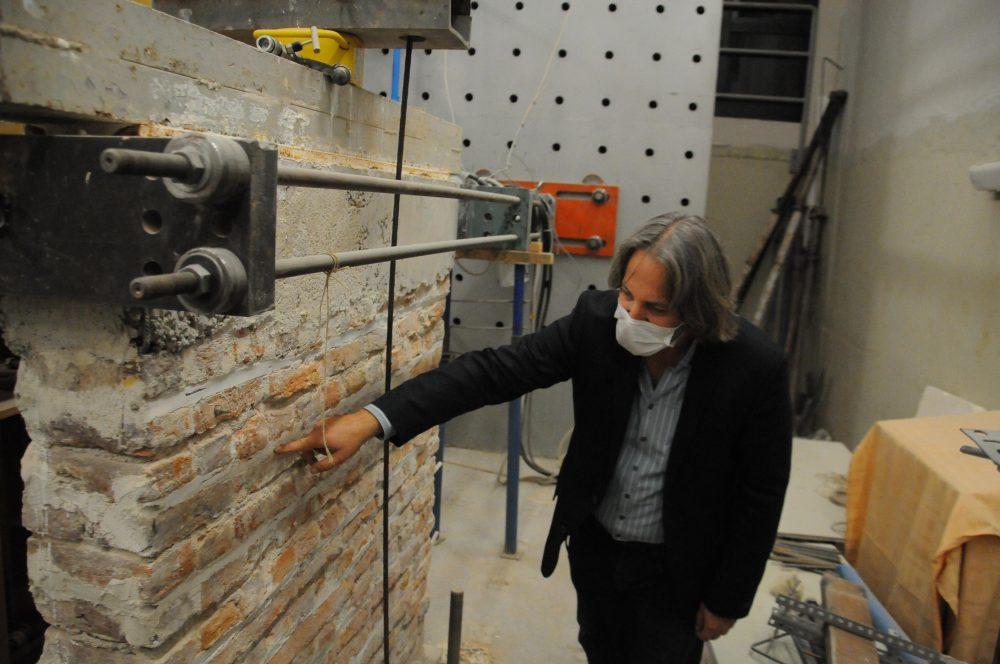Dr. Akpınar: Acilen riskli binaların güçlendirilmesi lazım