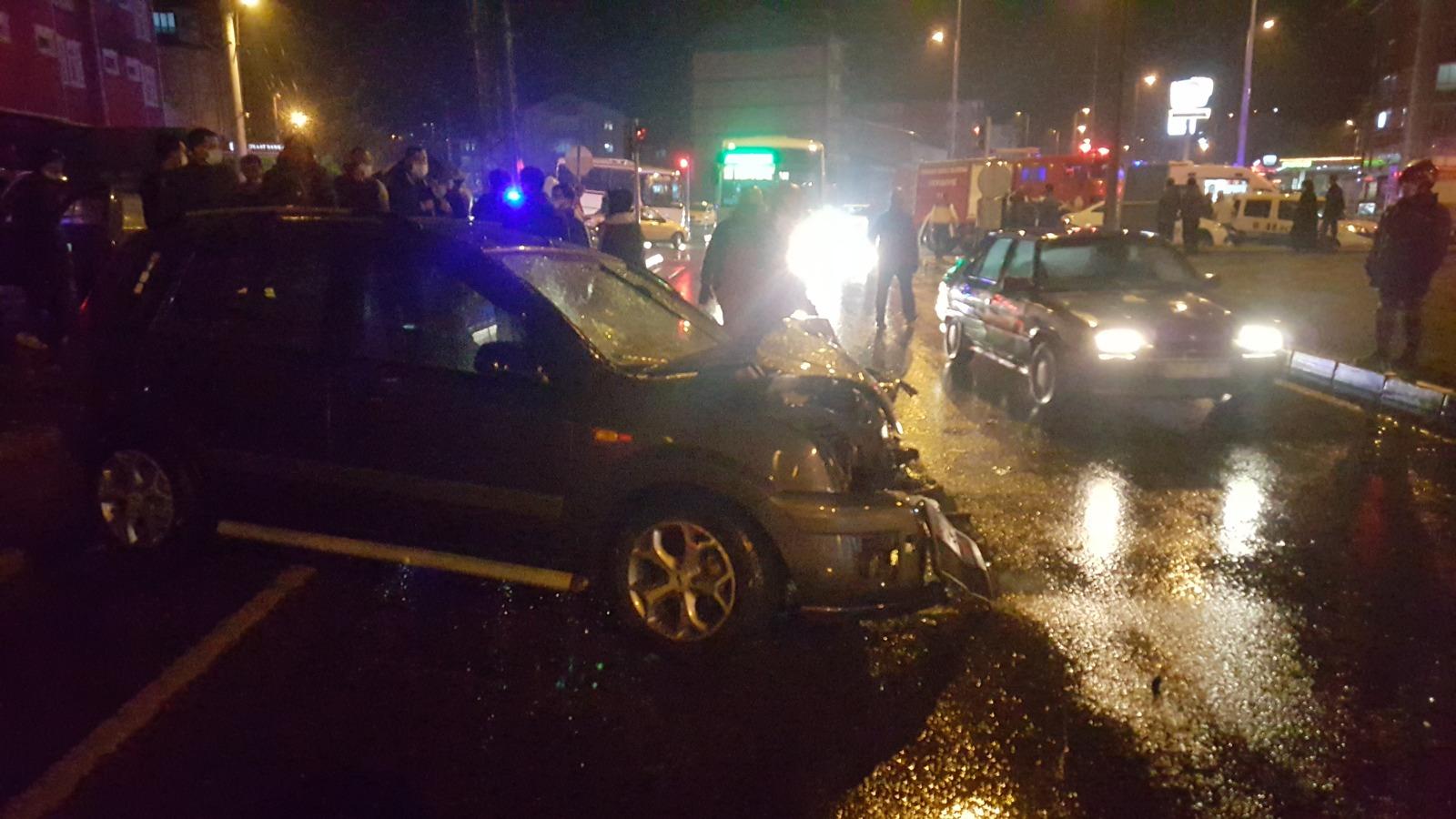 Alkollü sürücünün kullandığı otomobil kaza yaptı: 3 yaralı