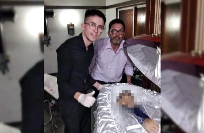 Maradona'nın cesediyle fotoğraf çektirenlere ölüm tehditleri yağdı