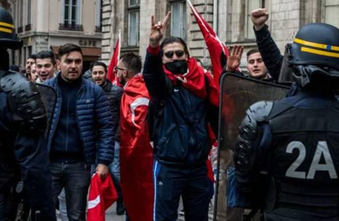 Fransız hükûmeti, Bozkurtlar hareketini yasakladığını açıkladı