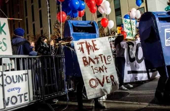 ABD seçimleri; Florida'da silahlı saldırı, Philadelphia'da bomba ihbarı